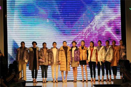 热烈祝贺千百惠女装2020冬季新品发布会圆满收官!