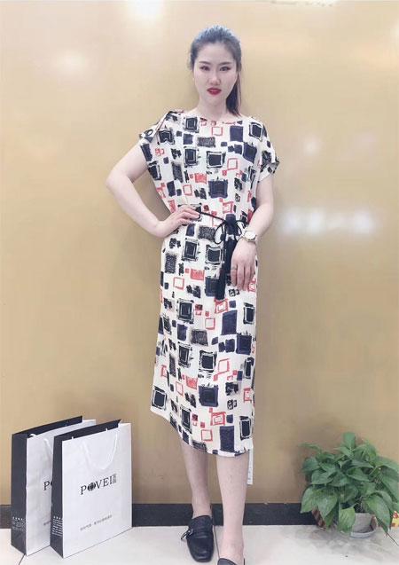 站在七月末梢 用清爽的连衣裙来迎接全新的八月