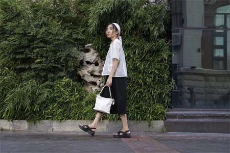 薇薇希秋日画家女孩 与您相遇在宁德万达广场店