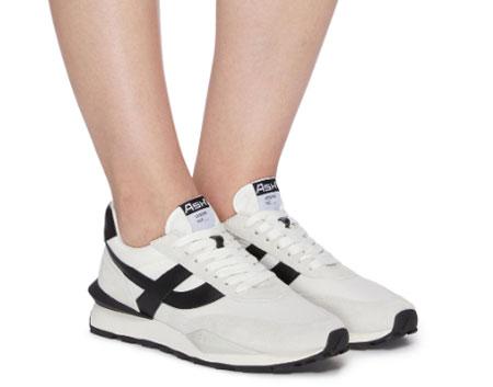 时尚百搭的运动鞋 让你轻松走在时尚前沿