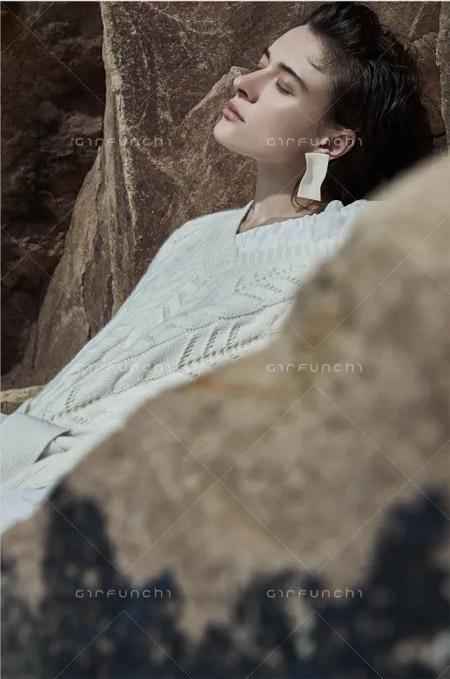 嘉禾利莎羊绒:秋冬新品 流行色彩白色