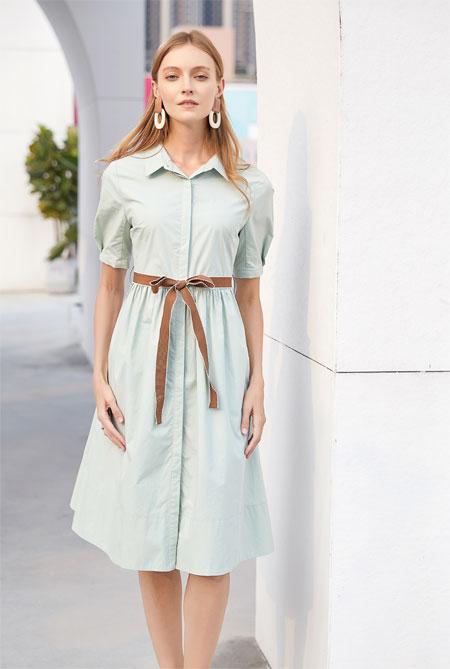 清新简洁的连衣裙 在夏季穿出自己的风格
