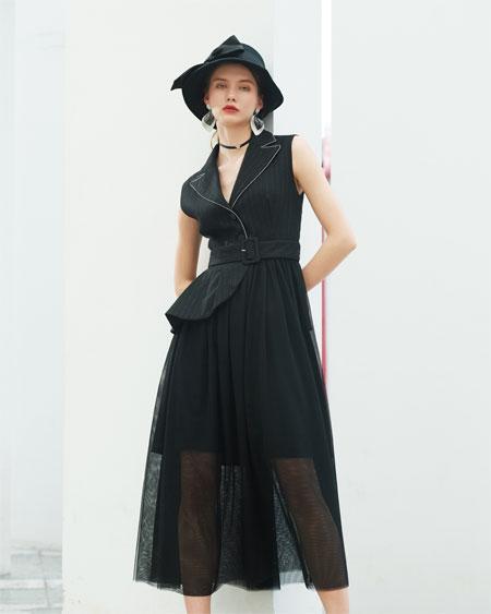 秋天出门穿什么 例格新品连衣裙等你来挑选!