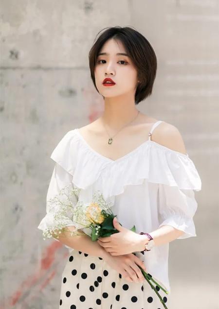 樱之花品牌女装 浪漫约会衣步到位