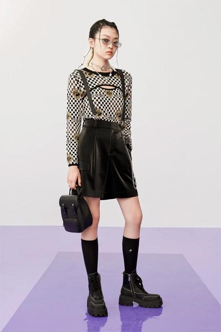 """太平鸟时尚女装 与混沌时代""""对抗""""的未来派"""
