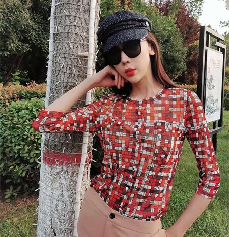 时尚气质秋季单品 宝薇女装演绎精彩生活