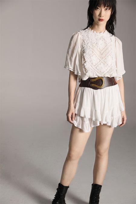 阿缇娜黑白经典色 打造出不一样的时尚美