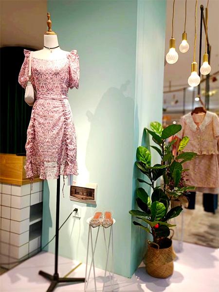 样儿女装和爱依服 是如何成为国内闻名服装连锁店的?