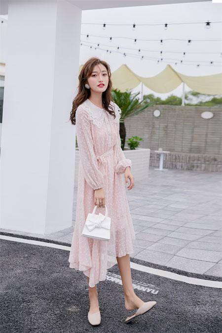 YANG女装新品连衣裙 将浪漫唯美的气息定格于身