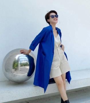 都市风尚女性的触手可得 奕色女装等您加入!