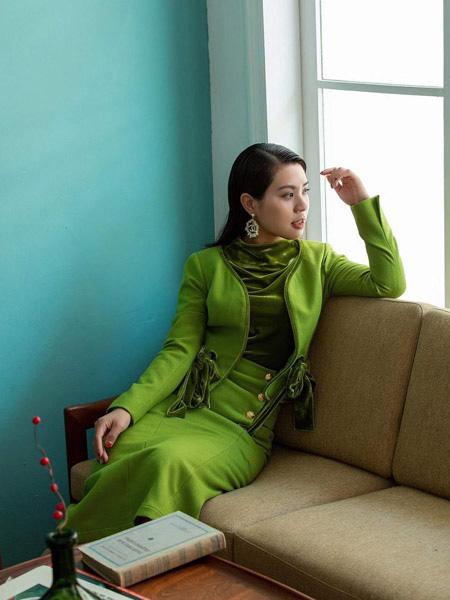林静茜让你金秋不简单 探索时尚气质女神穿搭
