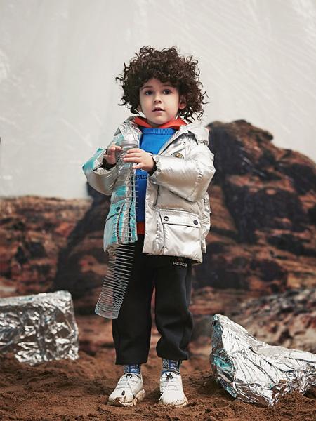 小猪班纳:2020秋季羽绒服来袭 让宝贝轻松应对寒冷