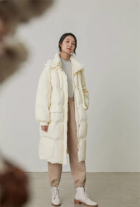 速品NEW IN  秋冬外套里面穿什么?来看这8套LOOK