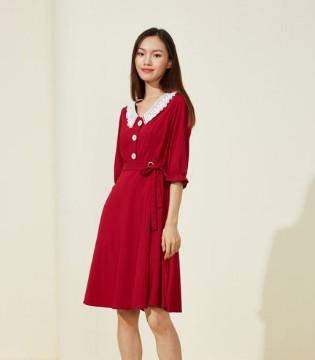 曈行:秋天的快乐 莫过于穿上甜美可爱的连衣裙