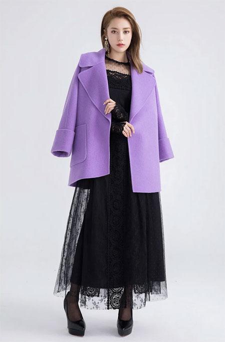 西纳维思:当温暖大衣遇上CP连衣裙