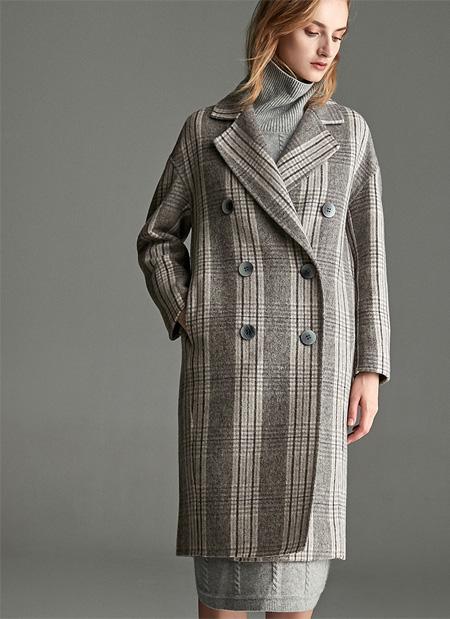 双面呢大衣时尚优雅 芊伊朵高级之中的淡淡复古