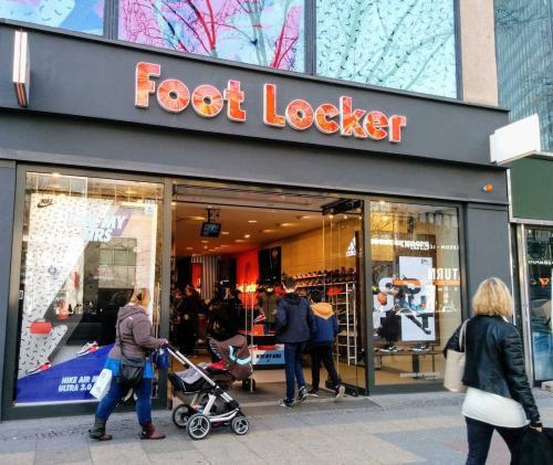 Foot Locker�\�臃��b零售商三季度增�L9% 任命了新高管