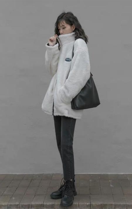 珂希莉慵懒气质外套 赋予冬季不一样的诠释