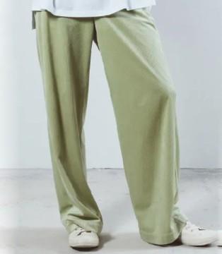 奕色时尚裤子新品赏析 在新年中为集美穿搭锦上添花