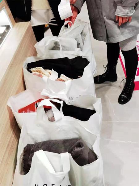 读色DUSE热烈迎来成都双流新店 祝生意兴隆!