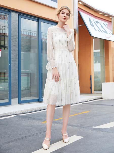 金蝶茜妮:时尚潮流单品 为女性带来神秘味道