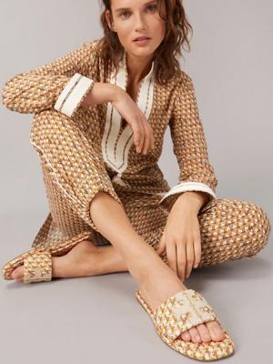 Tory Burch时尚复古凉鞋系列 传达大胆脱俗的时代力量
