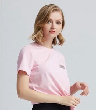 T恤要怎么搭才好看?看看爱弗瑞女装做个潮气小仙女