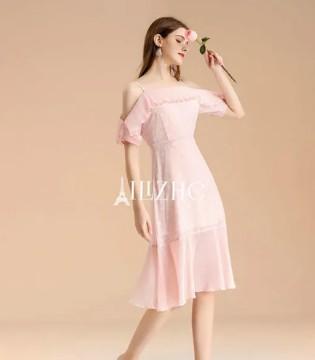 时尚穿搭 穿碎花不踩雷 轻松GET温柔与甜美!