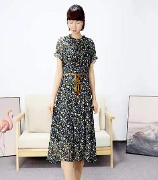靓漫蒂春夏新品 挑选能表达自身气质的服饰
