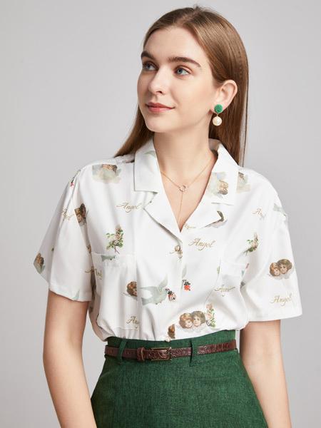 城市衣柜春夏新品 挑�x精美的服��砼�性身上的�赓|