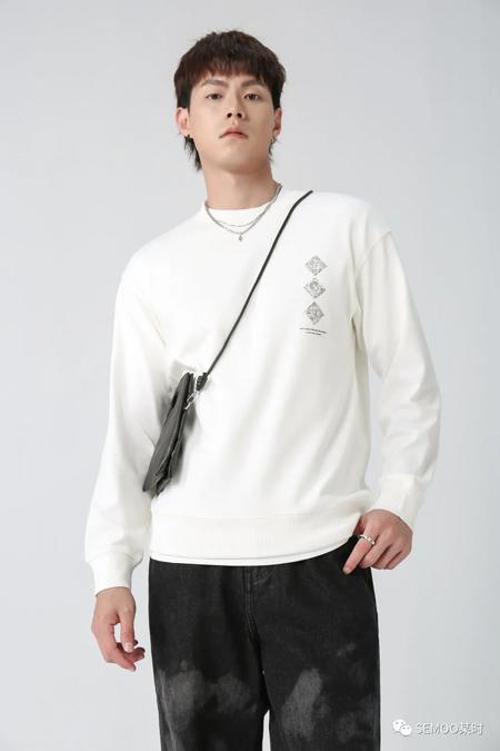 初秋上新開學季快來選購SEMOO某時服飾選購吧!