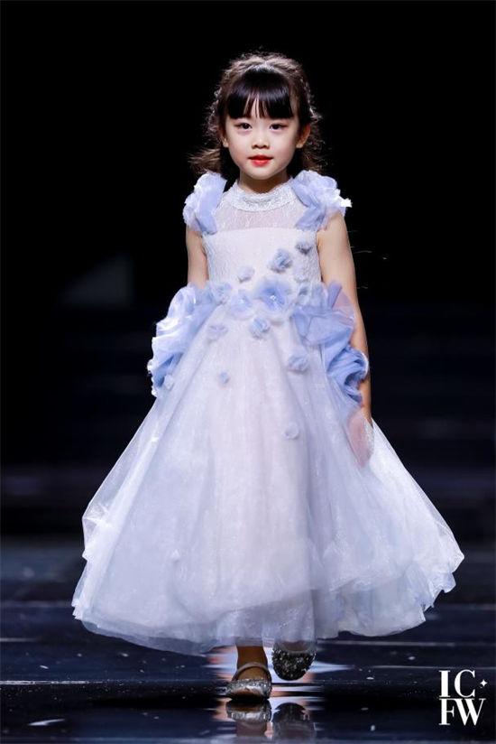 PureShare蓬纱馆华丽亮相2021西南国际少儿时装周