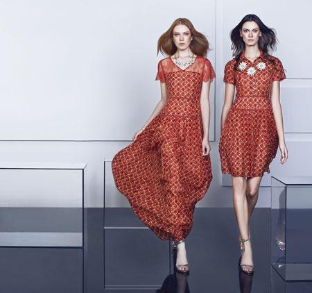 薇欧拉加盟网 连锁店 薇欧拉加盟费多少钱 招商加盟方式 衣联服装加盟高清图片