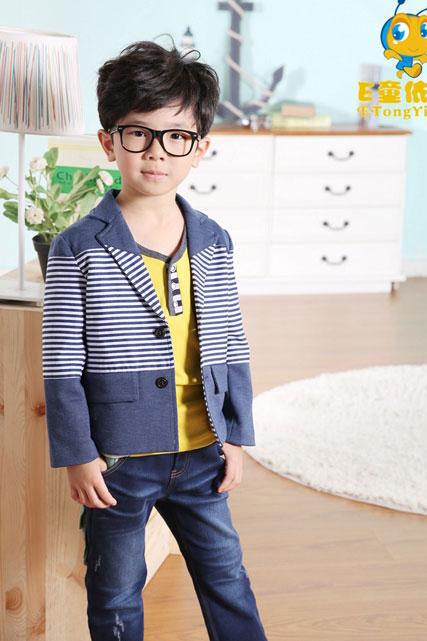 让你的梦想在这里起航 童心童趣服饰童装为你创造更辉煌的明天