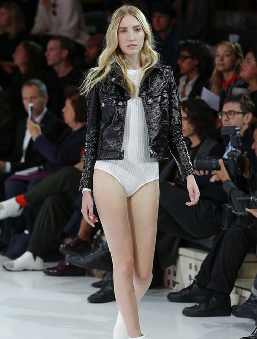 清新的暖季 Courreges 2016年春夏高级女装系列巴黎时装周发布会