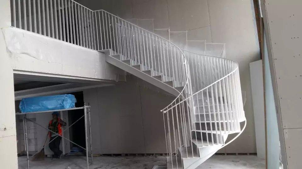 钢结构异型楼梯