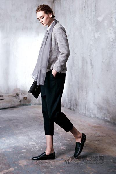 意澳女装 着装上变得更优雅、时尚、独具女性魅力