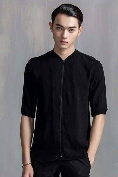 �h纹男装  黑色v领中袖T恤
