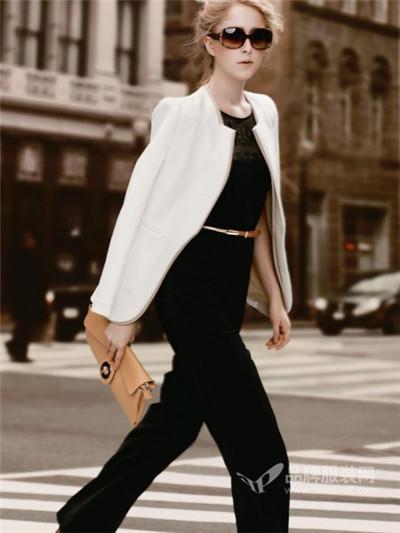 伊比莎女装白色外套