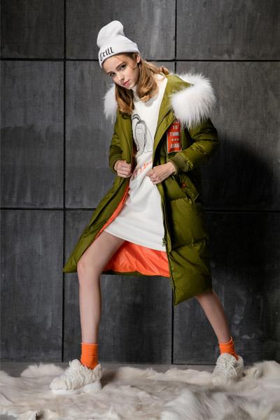 卡布依女装 款式新颖、线条流畅