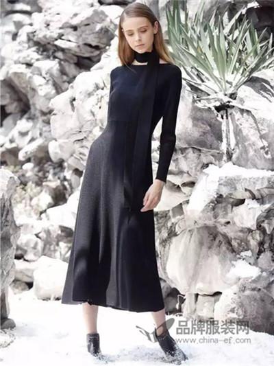 女士秋装长款连衣裙