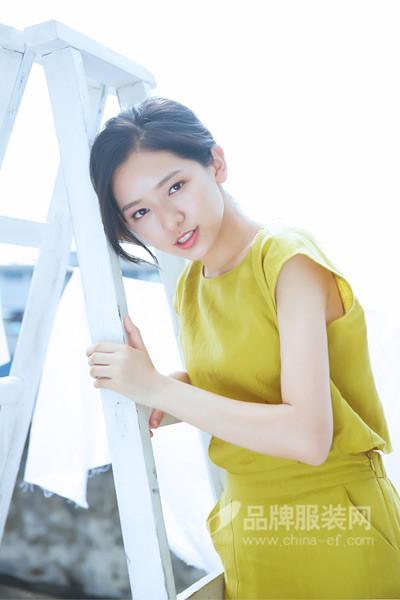 速品女装 定期对加盟商进行指导及提供保姆式服务