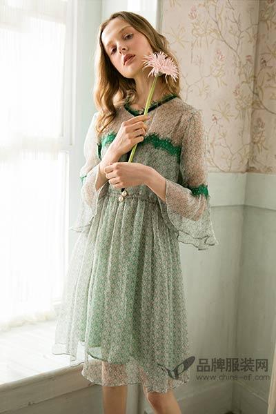 olrain欧芮儿2017年夏装新品中长裙拼接喇叭袖碎花雪纺刺绣印花连衣裙A字裙