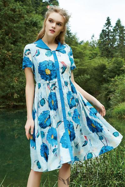 秀蓓儿女装   与 美的大自然景象融为一体