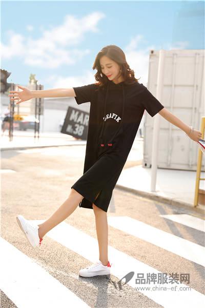 都市新女性提供个性、时尚、平价的最in着装 左韩女装