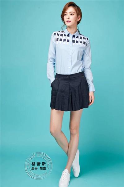 芝麻e柜女装 平均单店每20平方面积的每天销售额五千多元