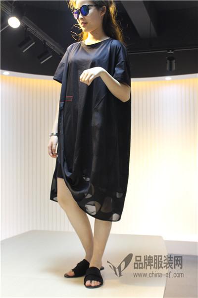 JISUO季索女装    简约前卫的另类时尚 追求摩登时尚