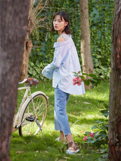 速品女装2017夏季时尚露肩衬衫