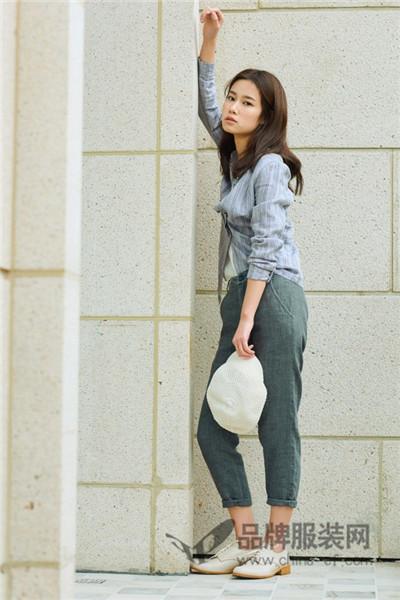 芮非女装2017秋冬条纹棉麻衬衫