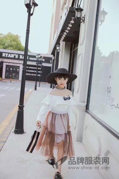 小嗨皮童装2017秋冬公主一字领连衣裙